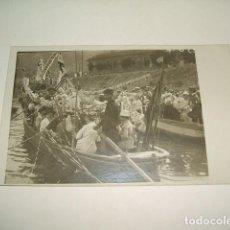 Postales: TORRELAVEGA BARREDA CANTABRIA FIESTA EN BARCAS POSTAL EN TORNO A 1915. Lote 131243395