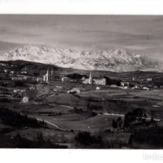 Postales: COBRECES (CANTABRIA).- VISTA GENERAL, AL FONDO PICOS DE EUROPA. Lote 132832970