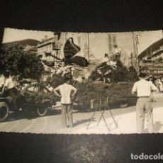 Postales: LAREDO CANTABRIA BATALLA DE FLORES FOTOGRAFIA TAMAÑO POSTAL. Lote 139281250