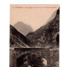 Postales: LA HERMIDA.(CANTABRIA).- PAISAJE DE LA CARRETERA EN EL PUENTE JUANCHO. Lote 146778978