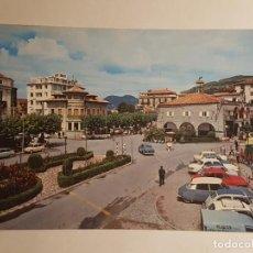 Postales: LAREDO, PLAZA DE CACHUPIN Y AYUNTAMIENTO CON GUARDIA URBANO. Lote 147846130