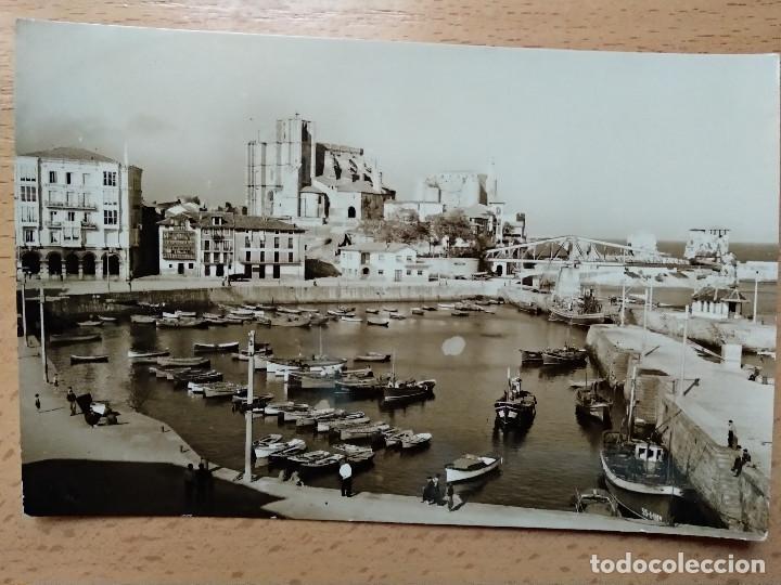CASTRO URDIALES. DARSENA AL FONDO IGLESIA DE SANTA MARIA- ED. ARRIBAS 9 (Postcards - Spain - Modern Cantabria (since 1940))
