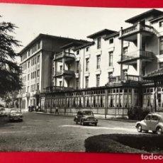 Postales: LIERGANES - CANTABRIA - GRAN HOTEL Y BALNEARIO (RENAULT 4 4) - EDICIONES ARRIBAS. Lote 156004354