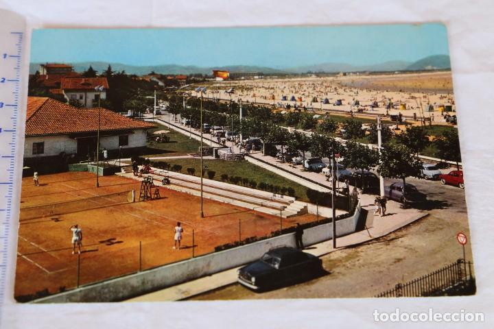 SANTANDER. LAREDO. TENIS CLUB Y PLAYA. EDICIONES ARRIBAS Nº 2008. AÑO 1960 COCHE CLASICO (Postales - España - Cantabria Moderna (desde 1.940))