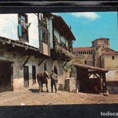 Postales: Nº 12. SANTILLANA DE MAR. CALLE DEL RÍO. AL FONDO, LA COLEGIATA. Lote 169555320
