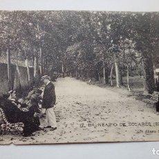 Postales: POSTAL ANTIGUA BALNEARIO DE SOLARES UN PASEO DEL PARQUE. Lote 176505602