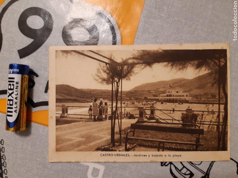 POSTAL CASTRO URDIALES JARDINES Y BAJADA A LA PLAYA J GARCÍA FOTOGRAFO (Postales - España - Cantabria Antigua (hasta 1.939))