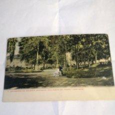 Postales: 7 BALNEARIO DE SOLARES (SANTANDER) VISTA PARCIAL DEL PARQUE Y GRAN HOTEL. COLOREADA. CIRCA 1900.. Lote 194503402
