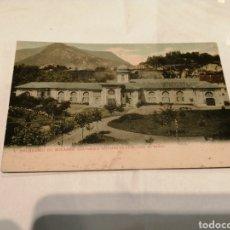 Postales: 1. BALNEARIO DE SOLARES (SANTANDER) EXTERIOR DE LA GALERÍA DE BAÑOS.COLOREADA. CIRCA 1900.. Lote 194995427