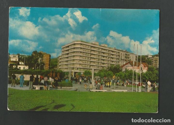 POSTAL CIRCULADA - LAREDO - SANTANDER - JARDINES DE ELORZA ARISTORENA - EDITA AUFER (Postales - España - Cantabria Moderna (desde 1.940))