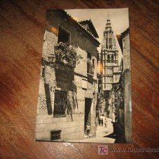 Postales: TOLEDO CALLE TIPICA Y TORRE DE LA CATEDRAL . Lote 7423636