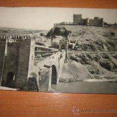 Postales: TOLEDO PUENTE DE ALCANTARA Y CASTILLO DE S.SERVANDO LUIS ARRIBAS CIRCULADA. Lote 20469625