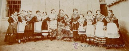 ANTIGUA FOTOGRAFIA ALBUMINA DE TORRIJOS - TOLEDO - MUJERES CON EL TIPICO TRAJE REGIONAL MANCHEGO - G (Postales - España - Castilla La Mancha Antigua (hasta 1939))