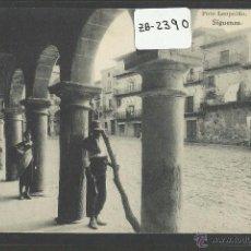 Postales: SIGÜENZA - PLAZA MAYOR - HAUSER Y MENET - (ZB-2390). Lote 49452828