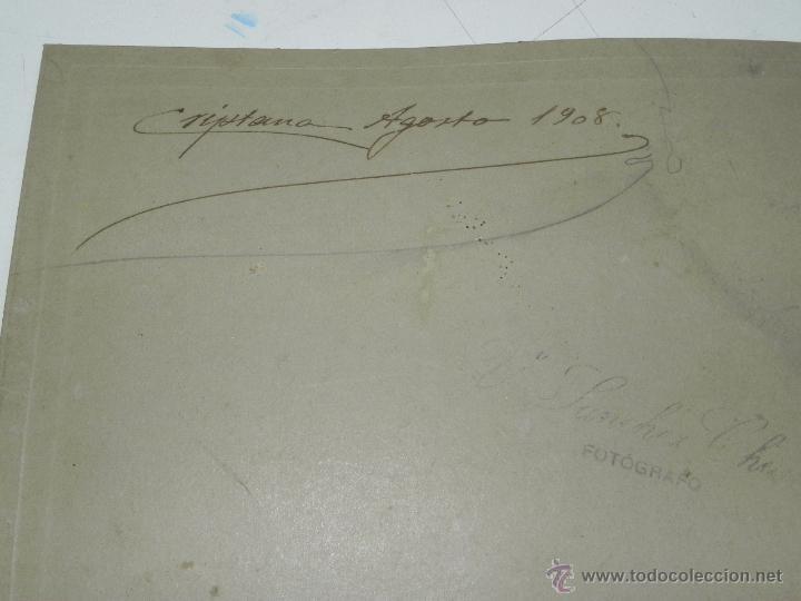 Postales: FOTOGRAFIA DE CAMPO DE CRIPTANA (CIUDAD REAL) 1908, POSIBLEMENTE EL ALCALDE CRIPTANA JUNTO A SU FAMI - Foto 3 - 49571516