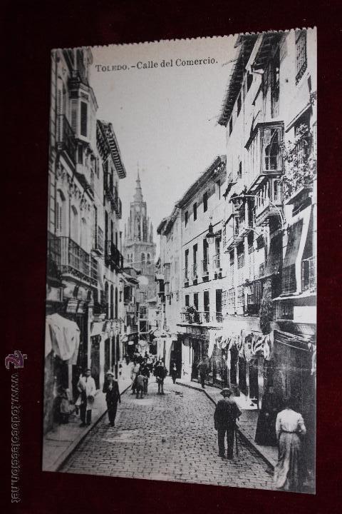 ANTIGUA POSTAL DE TOLEDO. CALLE DEL COMERCIO. FOTPIA. J. ROIG. SIN CIRCULAR (Postales - España - Castilla La Mancha Antigua (hasta 1939))