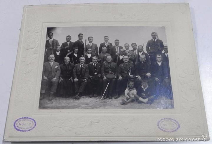 Postales: FOTOGRAFIA DE SOMATEN DE UN PUEBLO DE TOLEDO, 1926, FOTO NUÑEZ, MADRIDEJOS (TOLEDO), CON DEDICATORIA - Foto 2 - 56230640