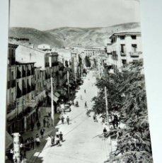 Postales: FOTO POSTAL DE CUENCA, Nº 31, AVENIDA JOSE ANTONIO, ED. ARTISTICA ESPAÑOLA, NO CIRCULADA.. Lote 68962645