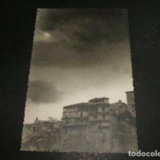 Postales: CUENCA CASAS COLGADAS 1959 FOTOGRAFIA TAMAÑO POSTAL. Lote 87957708