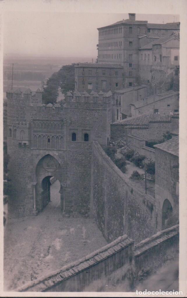 POSTAL FOTOGRAFICA TOLEDO - PUERTA DEL SOL - ILUMINATIS (Postales - España - Castilla La Mancha Antigua (hasta 1939))