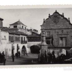 Postales: CHINCHILLA. ALBACETE.- EL AYUNTAMIENTO Y PLAZA DE LA CONSTITUCIÓN.- COLECCIONES LOTY. Lote 116631823