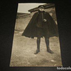 Postales: GUADALAJARA RETRATO DE MILITAR CON CAPOTE ANGEL FERNANDEZ. Lote 128611651