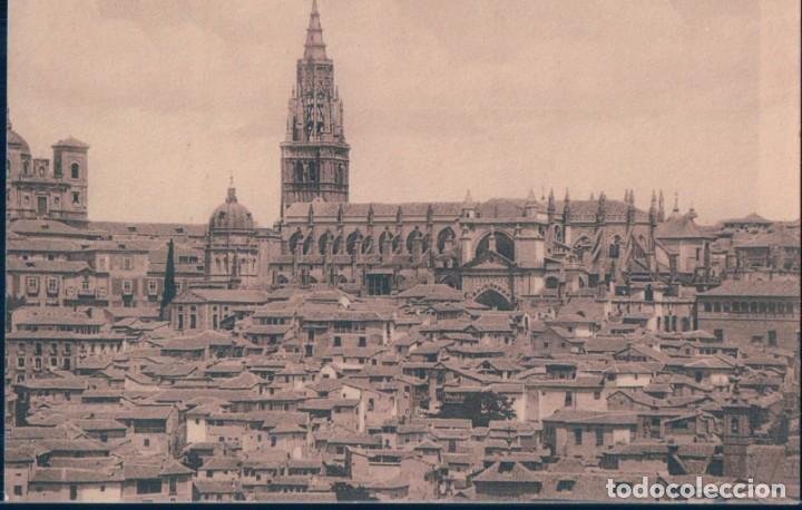POSTAL TOLEDO - LA CATEDRAL CON LOS BARRIOS ANTIGUOS - WUNDERLICH 2161 (Postales - España - Castilla La Mancha Antigua (hasta 1939))