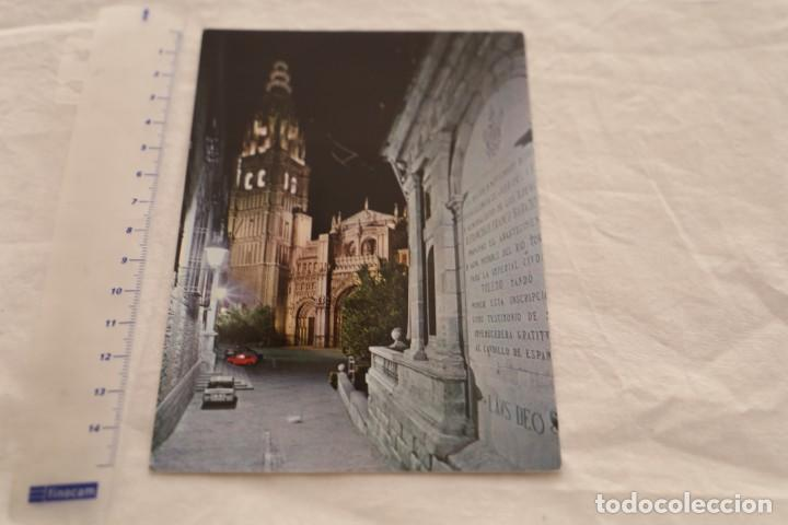 POSTAL TOLEDO - CALLE TIPICA Y TORRE CATEDRAL - 1968 - ARRIBAS 1474 - SIN CIRCULAR RENAULT 8 (Postales - España - Castilla la Mancha Moderna (desde 1940))