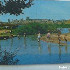 Postales: POSTAL DE ESCALONA ( TOLEDO ) : PLAYAS DEL RIO ALBERCHE . AÑOS 60 , NIÑOS BAÑANDOSE, ETC.. Lote 186117101