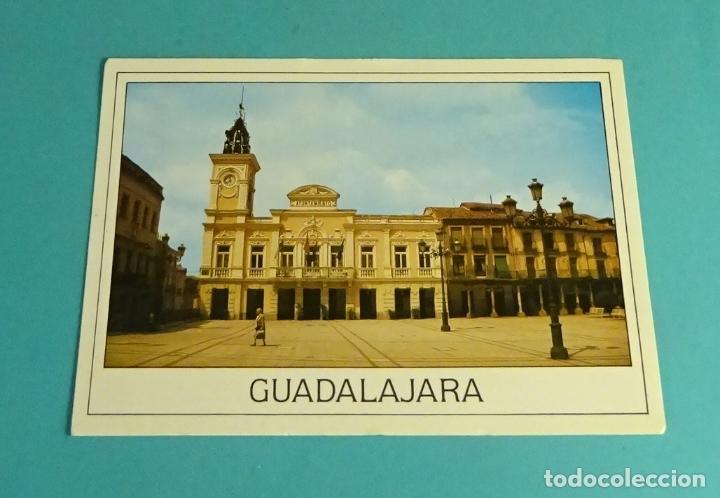 POSTAL PLAZA MAYOR Y AYUNTAMIENTO. GUADALAJARA (Postales - España - Castilla la Mancha Moderna (desde 1940))