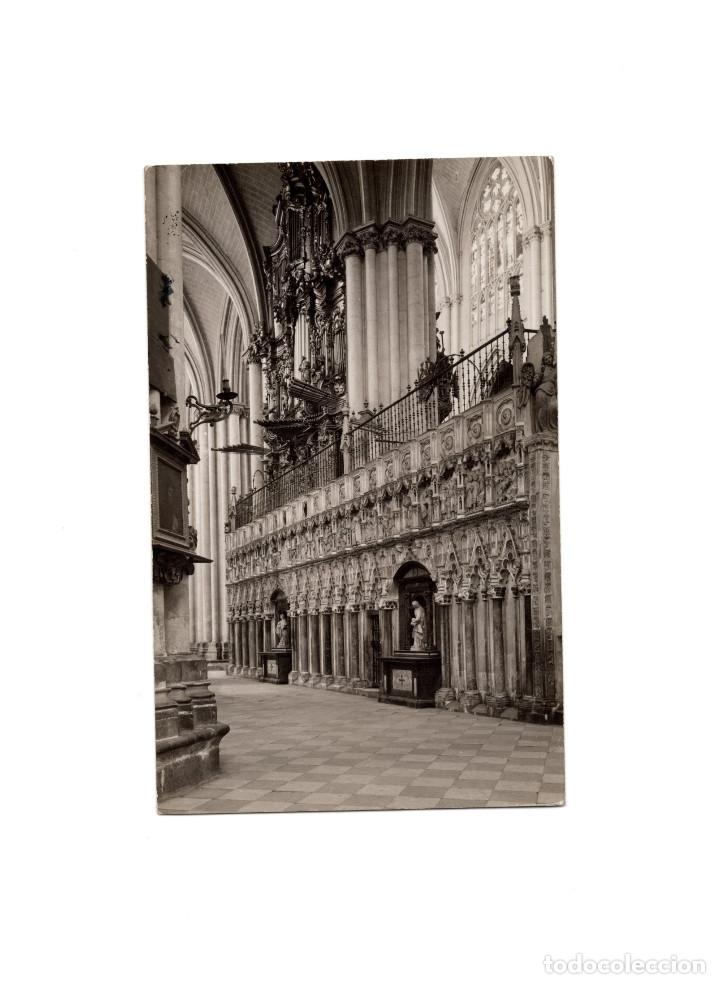 TOLEDO.- INTERIOR DE LA CATEDRAL. POSTAL FOTOGRÁFICA. FOTO RODRIGUEZ. (Postales - España - Castilla La Mancha Antigua (hasta 1939))