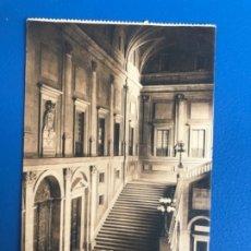 Postales: TOLEDO ANTIGUA POSTAL ESCALERA DEL ALCAZAR SELLO ALFONSO L. ROISIN 1929 . Lote 176996198