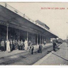 Postales: POSTAL CIUDAD REAL ALCAZAR DE SAN JUAN ESTACION FERROCARRIL ANDENES , P885. Lote 183814115