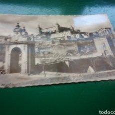 Postales: ANTIGUA POSTAL DE TOLEDO. EL ALCÁZAR. AÑOS 50. Lote 194199738