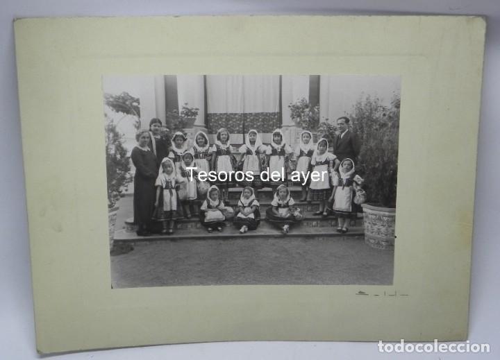 PRECIOSA FOTOGRAFIA DE NIÑAS DE COLEGIO CON TRAJE REGIONAL DE LAGARTERANA, FOTO BELDA, GRAN TAMAÑO, (Postales - España - Castilla La Mancha Antigua (hasta 1939))