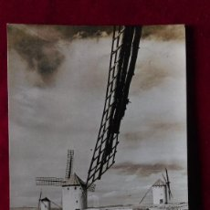 Postales: W.- 29.- POSTAL FOTOGRAFICA DE PAISAJES MANCHEGOS , MOLINOS DE VIENTO DE CAMPO CRIPTANA S.C. . Lote 194670825