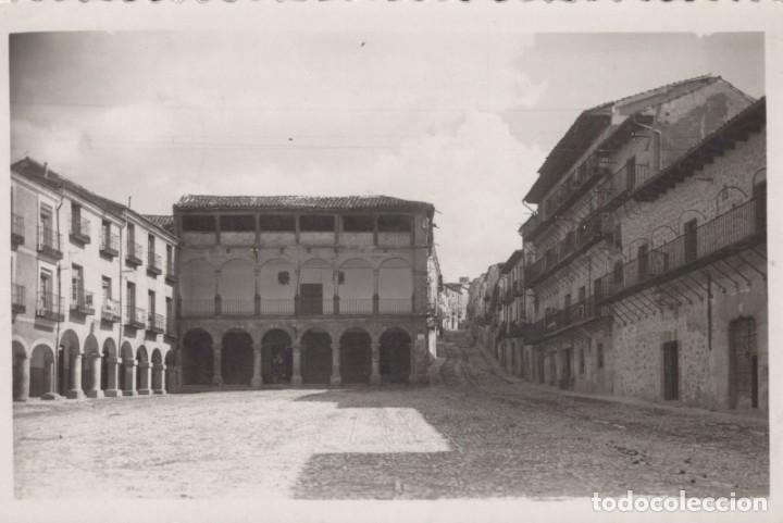 FOTO POSTAL DE SIGÜENZA. PLAZA MAYOR. 42 ED. NIETA DE C. RODRIGO - CIRCULADA (Postales - España - Castilla La Mancha Antigua (hasta 1939))