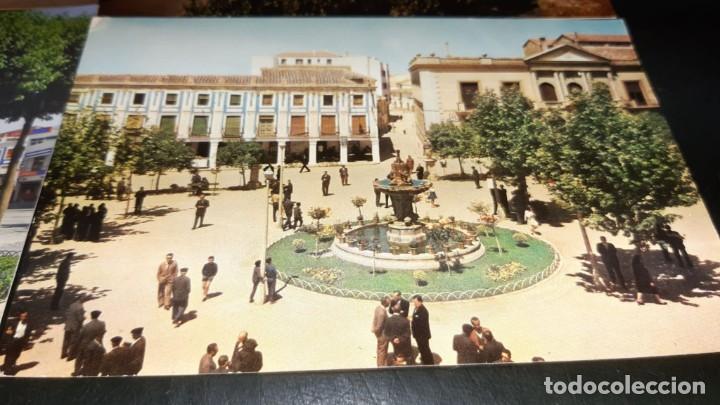 Postales: POSTALES ANTIGUAS DE VALDEPEÑAS CIUDAD REAL PANORAMICAS DE LA PLAZA DE ESPAÑA LOTE 4 UDS. - Foto 2 - 199882556