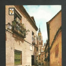 Postales: POSTAL SIN CIRCULAR - TOLEDO 28 - CALLE SANTA ISABEL AL FONDO LA CATEDRAL - EDITA ESCUDO DE ORO. Lote 221569317