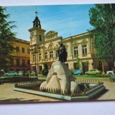 Postales: POSTAL. 58. GUADALAJARA. AYUNTAMIENTO Y MONUMENTO AL GENERALÍSIMO FRANCO. ED. FRANCISCO VACAS.. Lote 221836487