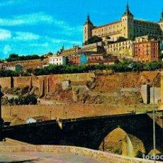 Postales: TOLEDO, PUENTE DE ALCANTARA Y EL ALCAZAR. Lote 228006360