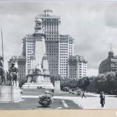 Postales: POSTAL ANTIGUA - MADRID - MONUMENTO A CERVANTES Y EDIFICIO ESPAÑA N°26 AÑOS 60. Lote 261854135