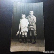 Postales: CIUDAD REAL 1916 RETRATO DE HERMANOS POSTAL FOTOGRAFICA. Lote 287444348