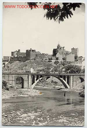 PONFERRADA. PUENTE DE HIERRO Y AL FONDO EL CASTILLO. ED. ARRIBAS (Postales - España - Castilla y León Moderna (desde 1940))