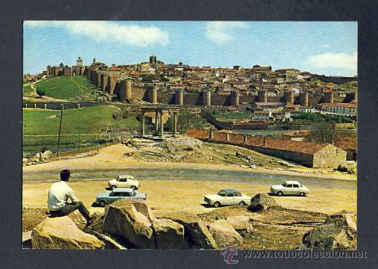 POSTAL DE AVILA: VISTA PARCIAL DE LA CIUDAD AMURALLADA. SEAT 600 (ED.G.GARRABELLA NUM.56) (Postales - España - Castilla y León Moderna (desde 1940))