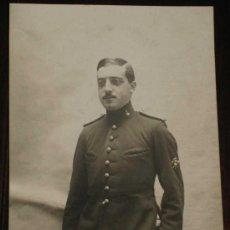 Postales: ANTIGUA FOTO POSTAL DE MILITAR DE LA ACADEMIA DE ARTILLERIA EN SEGOVIA, 1908 - J. DUQUE, FOTOGRAFO D. Lote 19160944