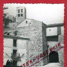 Postales: SEPULVEDA, SEGOVIA, VISTA MURALLAS Y PUERTA ECCEHOMO, P62901. Lote 27784570