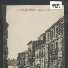 Postales: MEDINA DEL CAMPO - CALLE DE LA RUA -IMPRENTA DE SENDINO - (8835). Lote 30211634