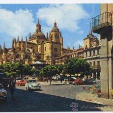 Postales: POSTAL SEGOVIA - PLAZA GENERAL FRANCO Y CATEDRAL - 1966 (COCHE CITROEN - SEAT). Lote 32076467