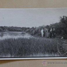 Postales: POSTAL. FOTOGRAFÍA ANIMADA EN EL RÍO DE ALREDEDOR DEL CONVENTO DE LA ANUNCIADA. VILLAFRANCA. 1937.. Lote 38231205